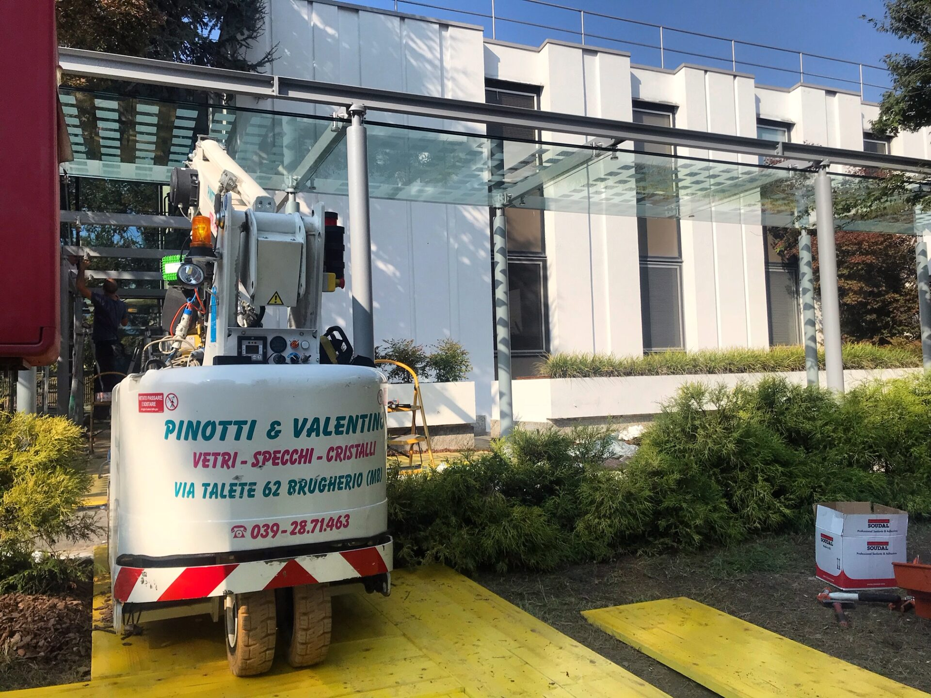installazione Vetrine Negozi Montecarlo